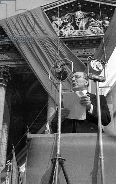 Speech of French politician Leon Blum during homage day to Jean Jaures july 31, 1937, Paris (Pantheon) (b/w photo)