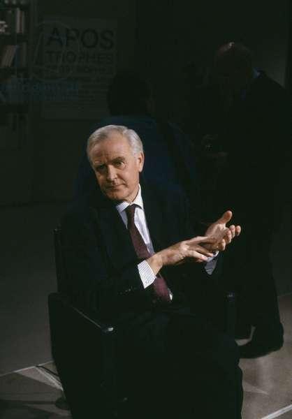 Issue Apostrophes - Portrait of John Le Carre at Paris, November 24, 1989