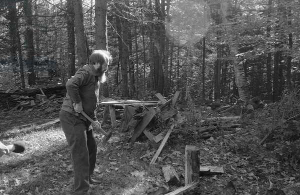 30 Oct 1983, Maine, USA - Aleksandr Solzhenitsyn Chopping Wood