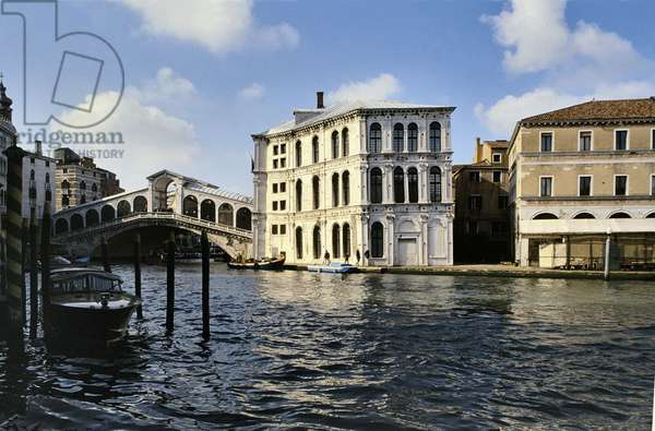 View of the Ponte di Rialto and Palazzo dei Camerlenghi on the Grand Canal ('Canaletto's View') (photo)