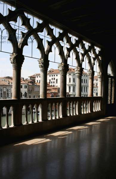 View of the arches and gothic tracery of the first-floor loggia, Ca' d'Oro, Venice, Italy (photo)