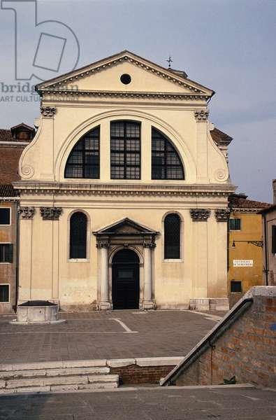 Facade of San Trovaso (Santi Gervasio e Protasio) rebuilt in 1583 (photo)