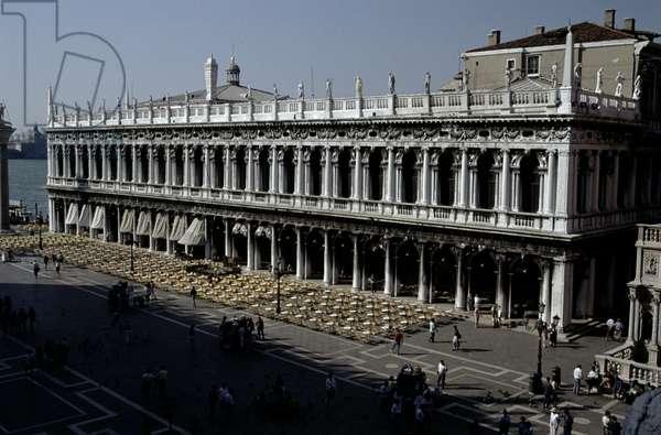 Libreria Sansoviniana (Biblioteca Marciana) begun 1537 (photo)