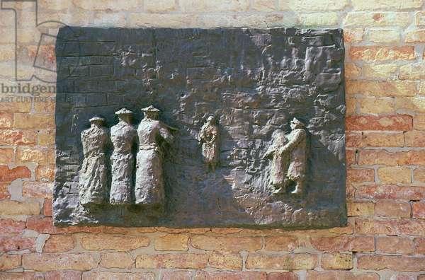 Holocaust (bronze) (see 158311 & 158312)