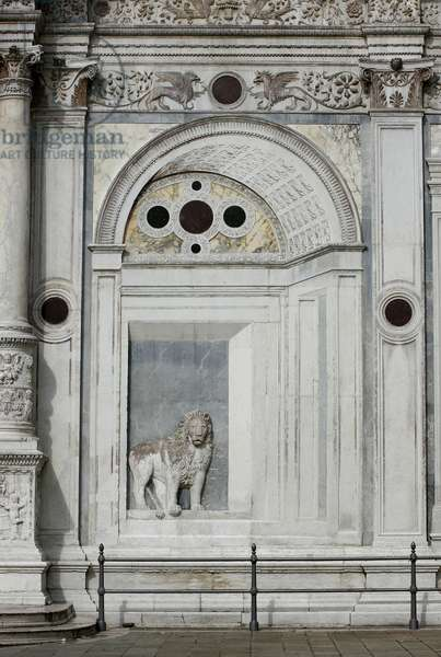 Trompe l'oeil archway, panel to the right of the main portal, 1487-90 (marble) (see 152752 and 152760)
