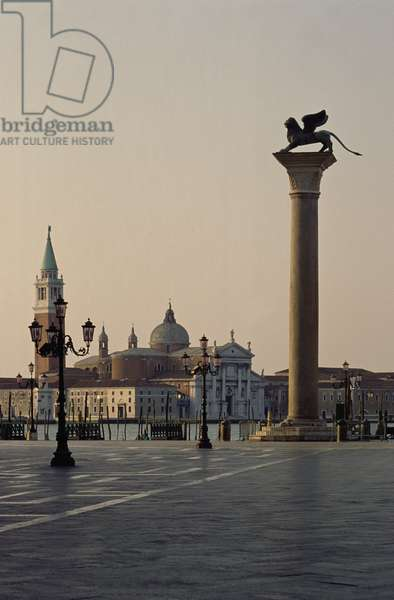 The Piazzetta di San Marco at Dawn (photo)