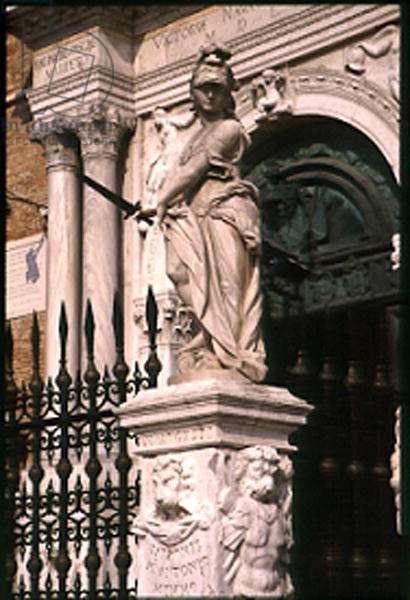 Bellona, later addition to the Renaissance gateway (marble) (see 146325)