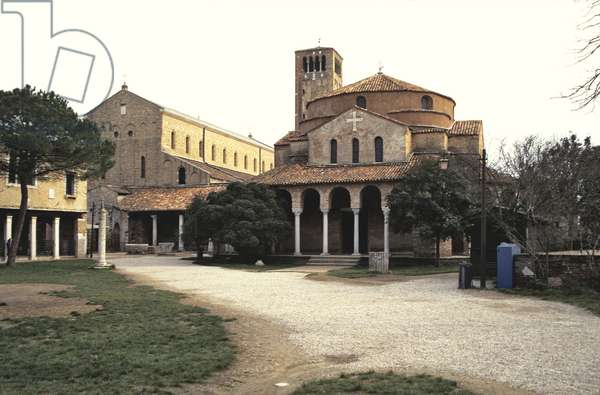 Santa Maria Assunta (left) and Santa Fosca (right) 11th century (photograph)