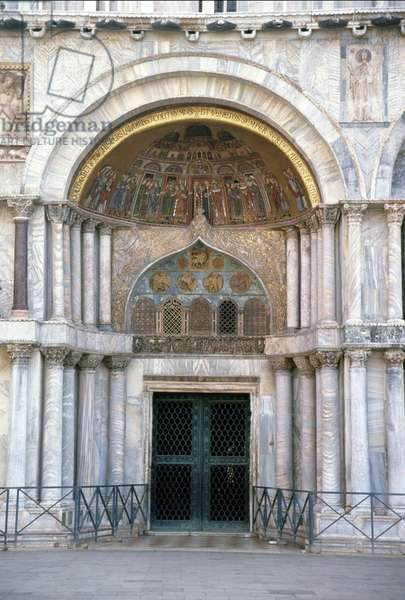 Porta San Alipio, first doorway of the facade (marble and mosaic) (see 60049)
