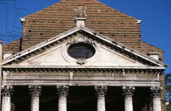 Portico detail from the church facade, built 1706-14 (photo)