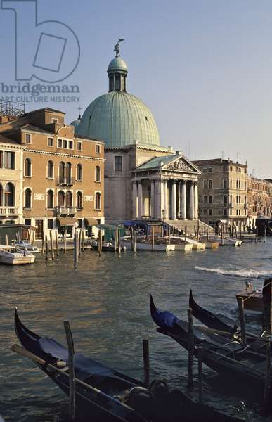 View of the church of San Simeone Piccolo on the Grand Canal, from the railway station, built in 1718-38 (photo)