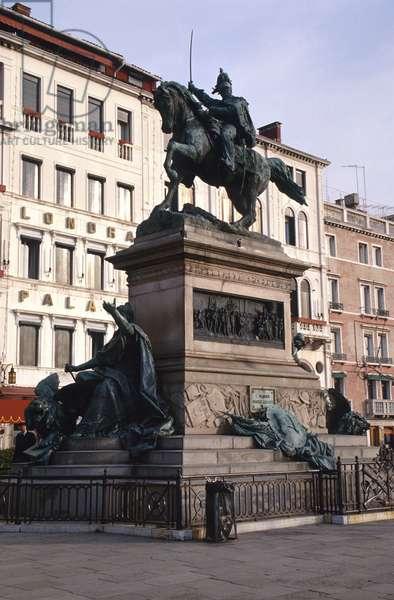 Monument to Vittorio Emmanuele II (1820-78) 1887 (bronze)