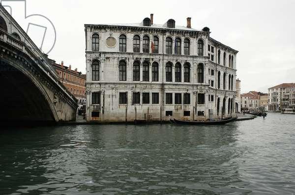 Palazzo dei Camerlenghi, at Rialto (photo)