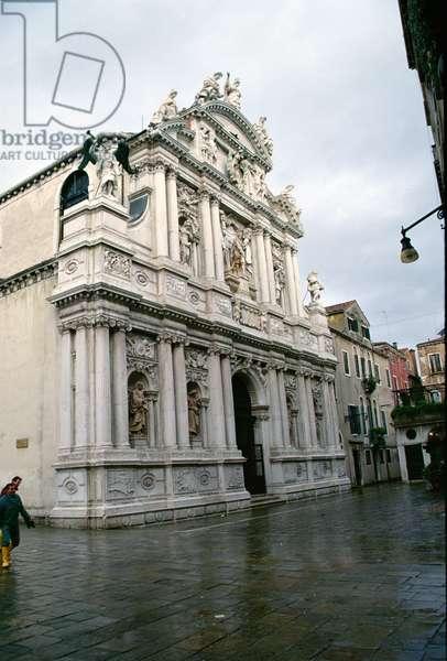 Facade of the Santa Maria del Giglio (Santa Maria Zobenigo), built in 1680-83, with sculptures done by Giusto Le Court (1627-78) (photo) (after 1996 restoration)