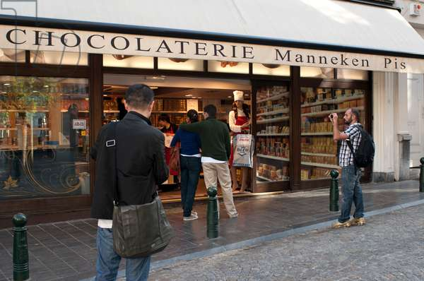One of the many chocolate shops in the historical centre, Brussels, Belgium (photo)