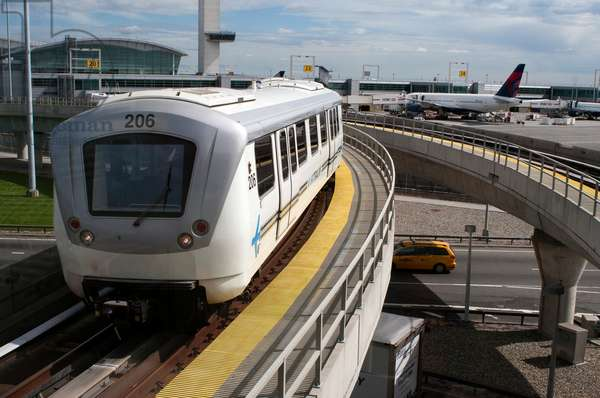 The AirTrain, Manhattan, New York, USA (photo)