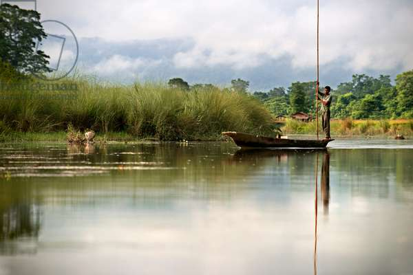 Boat trip on the Rapti River, Chitwan National Park, Nepal, Asia (photo)