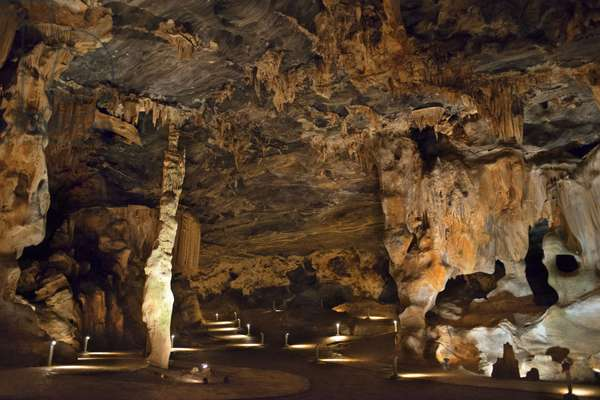 Stalactites and stalagmites in Van Zyl's Hall inside the Cango Caves, Oudtshoorn, Western Cape, South Africa, 2018 (photo)