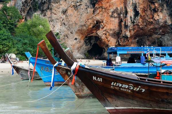 Long tail boats at Happy Island, Hat Phra Nang Beach, Railay, Krabi Province, Thailand, Southeast Asia, Asia (photo)