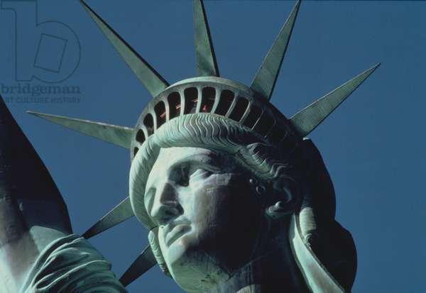 The Statue of Liberty, detail of the head (photo)