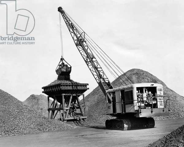 Crane loading coal