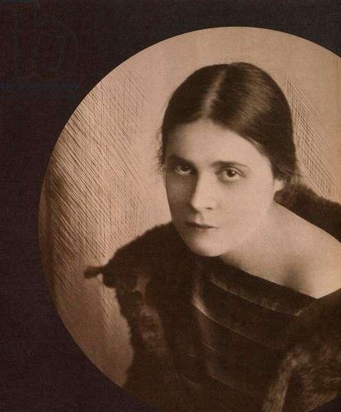 Lilya Brik, 1921 (b/w photo)