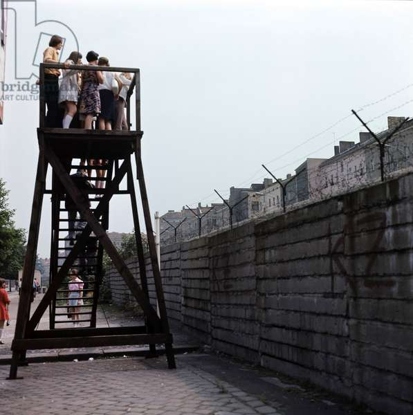Tourists on an observation stand, Berlin Wall, Berlin, Germany