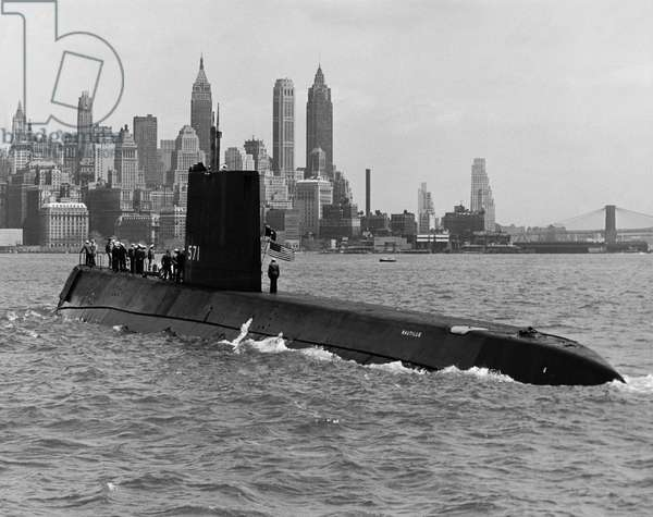 USS Nautilus (b/w photo)