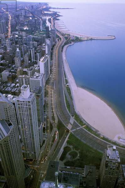 Aerial view of North Lake Shore Drive (photo)
