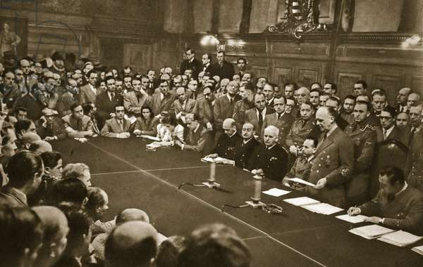 Foreign Minister von Ribbentrop reads the Declaration of War against the Soviet Union to the German and foreign press in the Federal Hall of the Foreign Office, 22nd June 1941 (b/w photo)