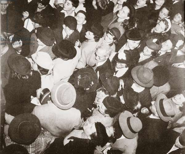 Disembarked passengers from the 'Conte di Savoia', going through immigration, New York,  September 1939 (b/w photo)