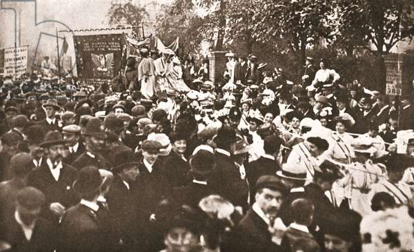Procession to celebrate Mrs Emmeline Pethick Lawrence's release from prison, 17th April 1909 (sepia photo)