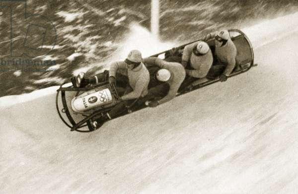 The four-man bobsleigh 'Italy I' cuts it fine, 1936 (b/w photo)