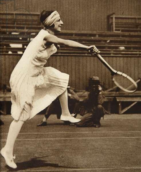 Suzanne Lenglen, 1919 (b/w photo)