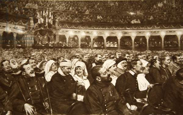 'La Fete de la Gloire' at the Trocadero in Paris: A national matinee attended by wounded, but cheerful, French soldiers and their nurses, from 'The Illustrated War News' (litho)