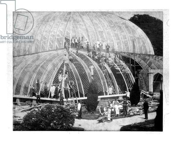 Making repairs to the Great Conservatory at Chatsworth, Derbyshire in the late 19th century (b/w photo)