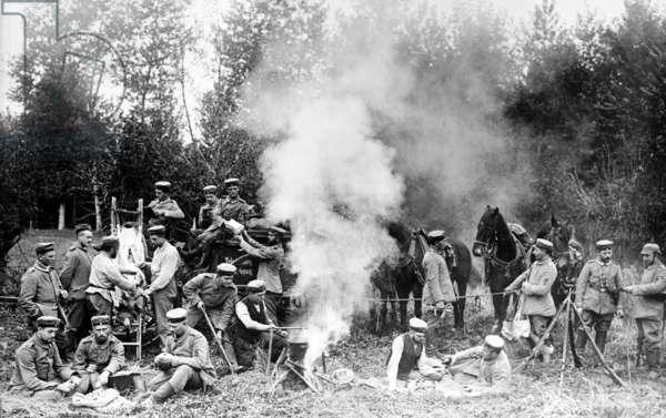 Field Kitchen c.1914-18 (b/w photo)