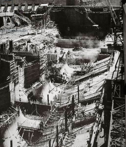 Building the Fort Loudon Dam, Tennessee (b/w photo)