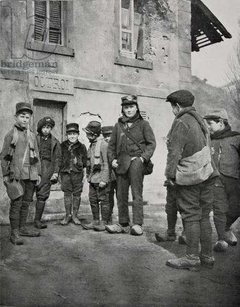 School children from Alsace, 1915 (b/w photo)