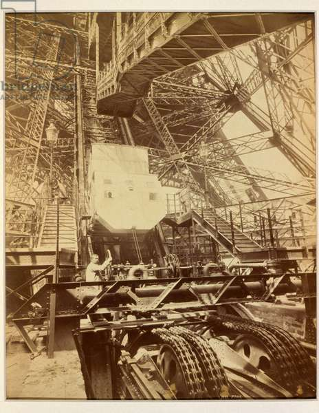 Equipment to operate the lift system on the Eiffel Tower, c.1888 (photo)