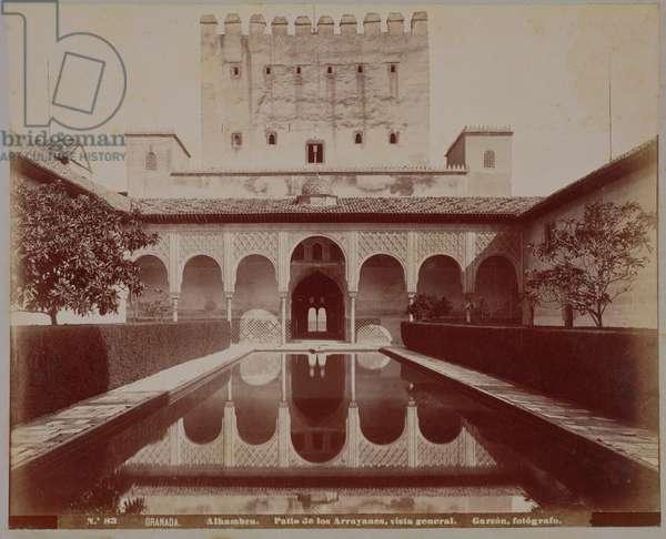 Patio de los Arrayanes, Alhambra, c.1875-80 (sepia photo)