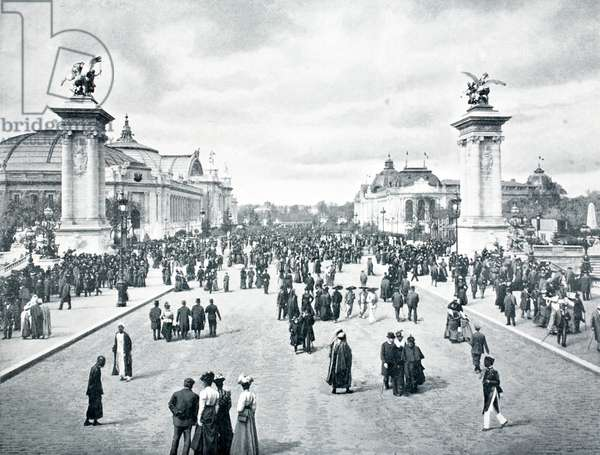 L'Avenue Nicolas II, Exposition Universelle, Paris, 1900 (b/w photo)