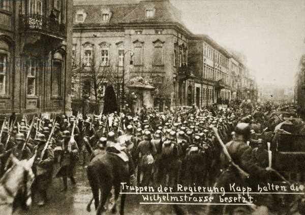 Troops of the Kapp government take Wilhelmstrasse, Berlin, March 1920 (b/w photo)