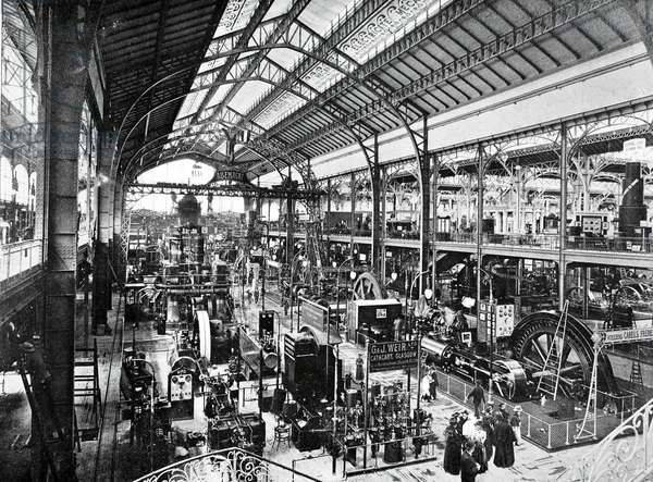 Gallery of electric machines, Exposition Universelle, Paris, 1900 (b/w photo)