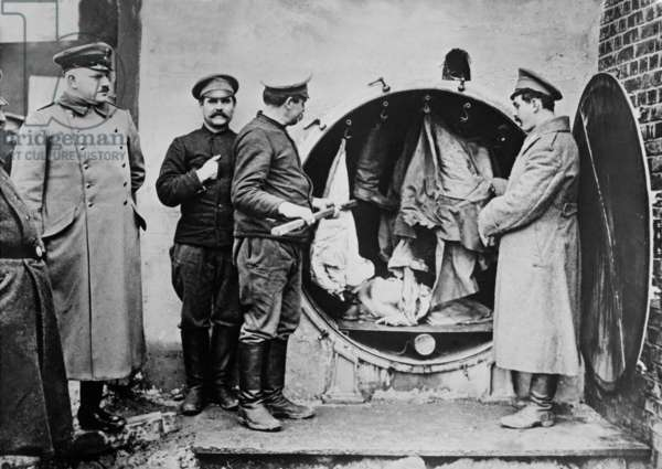 German soldiers disinfecting clothing c.1914-18 (b/w photo)