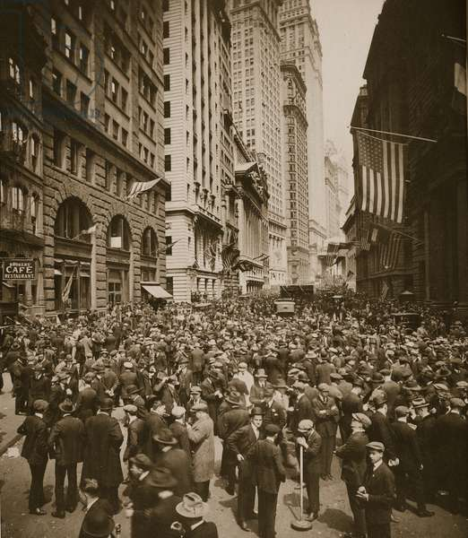Wall Street, New York, 1918 (sepia photo)