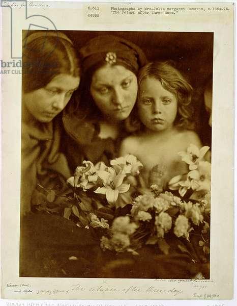 The Return after Three Days, c.1865 (b/w photo)