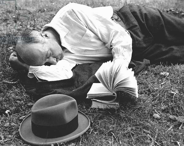 Reading in the Grass, Paris 1936