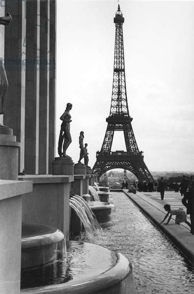 Eiffel Tower, Paris 1934