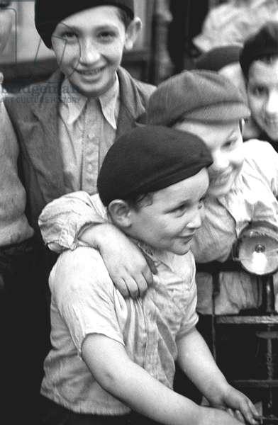 Boys, Paris 1935